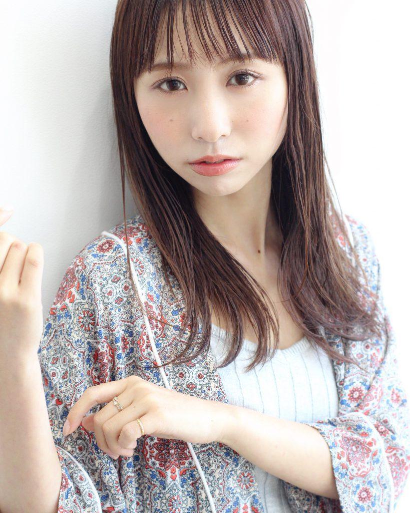 エフォートレスミディ&カジュアルお団子アレンジ写真